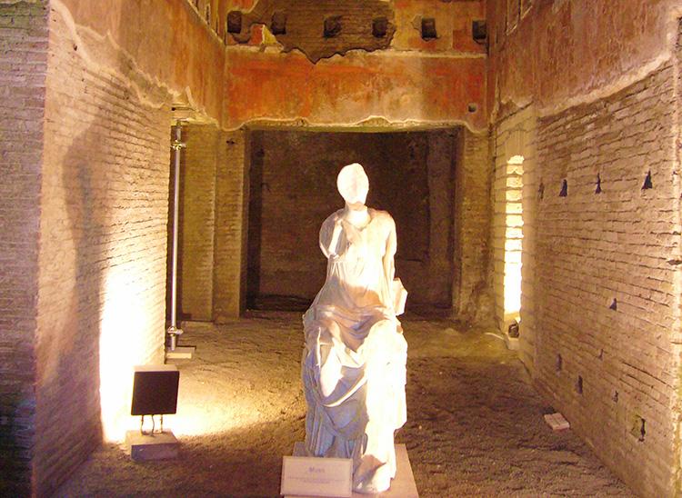 Statue_Domus_Aurea