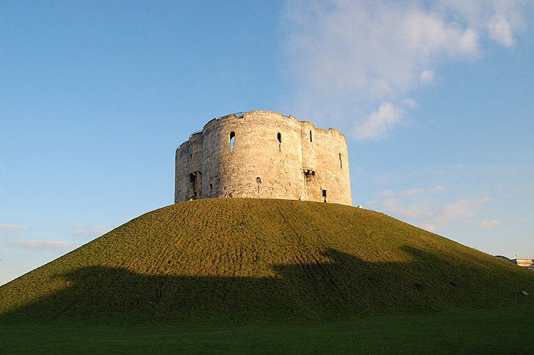 cliffords tower york tower castle keep