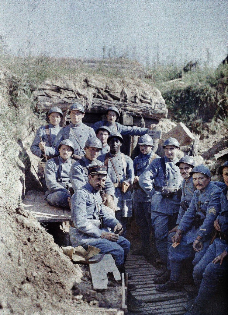 A group of French infantrymen