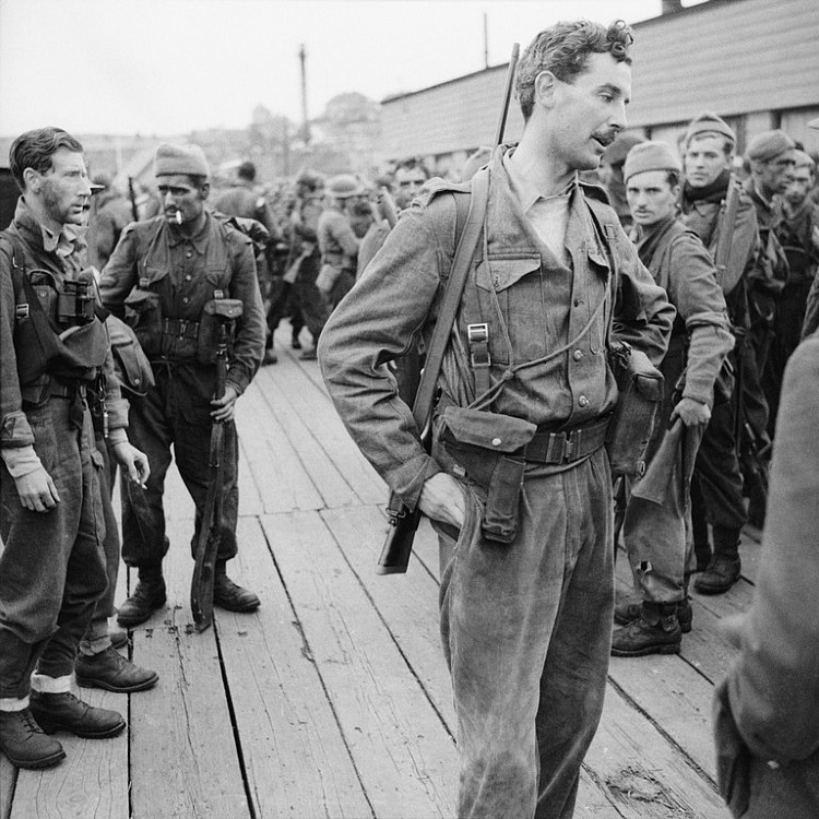 Lord Lovat and No. 4 Commando after the Dieppe raid
