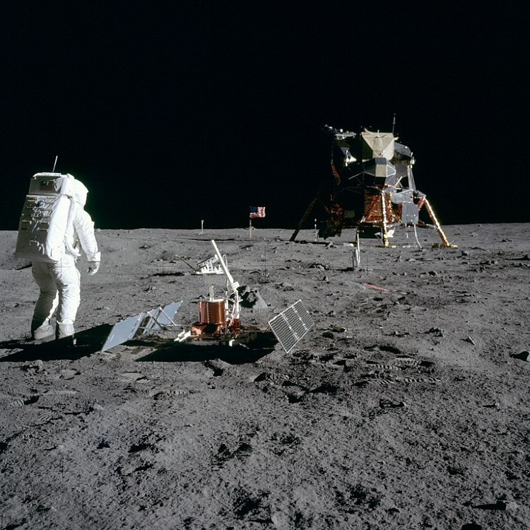 Buzz Aldrin looks back at the Eagle - Tranquility Base