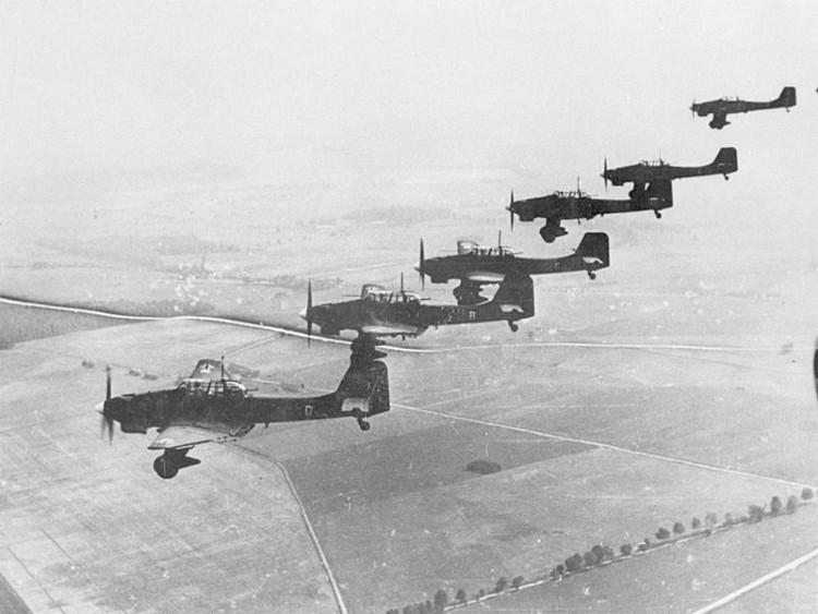 Ju 87 Bs over Poland Sept/Oct 1939 - Bundesarchiv