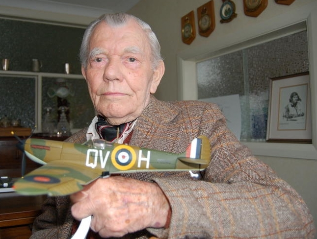 Wing Commander George Unwin DSO DFM, pictured shortly before his death, aged 96, in 2006.