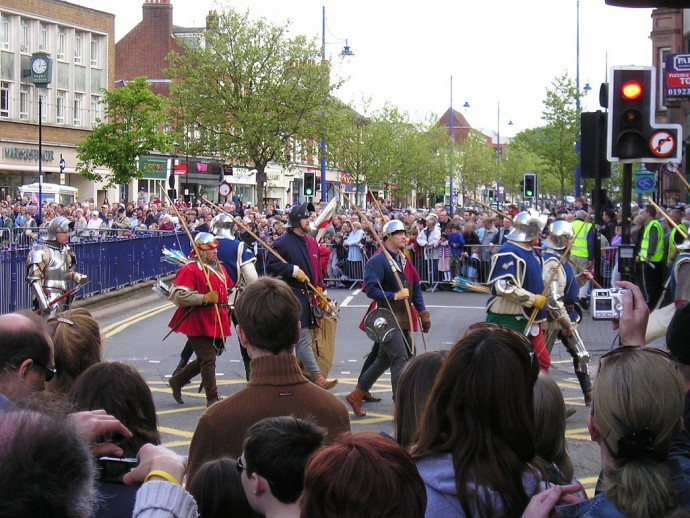A modern day procession as people celebrate the Battle of St Albans.