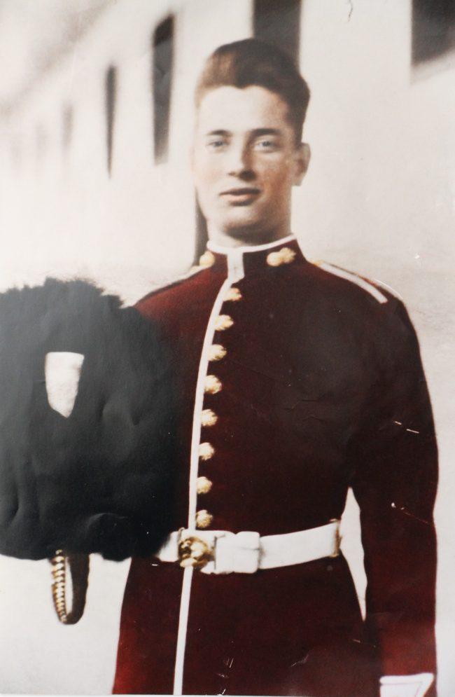 Guardsman Bert Smith at Wellington Barracks in 1928. Image source: Dilip Sarkar Archive.