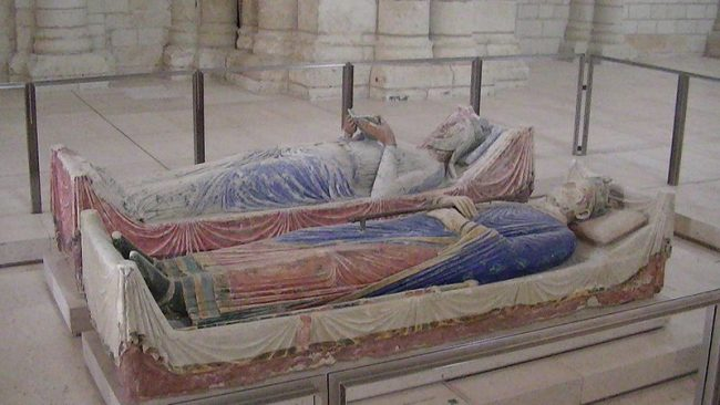 Effigies of Eleanor of Aquitaine and Henry II of England in the church of Fontevraud Abbey.