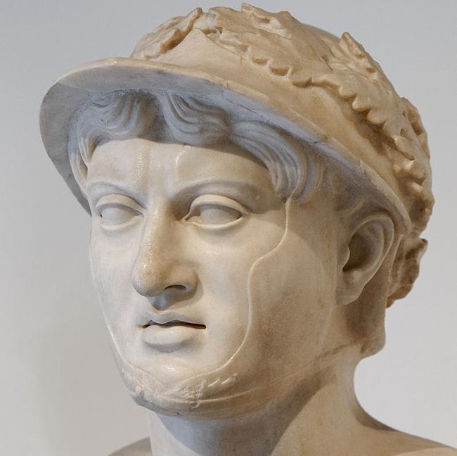 pyrrhus-bust