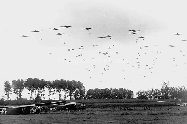The 82nd Airborne Division drops near Grave.