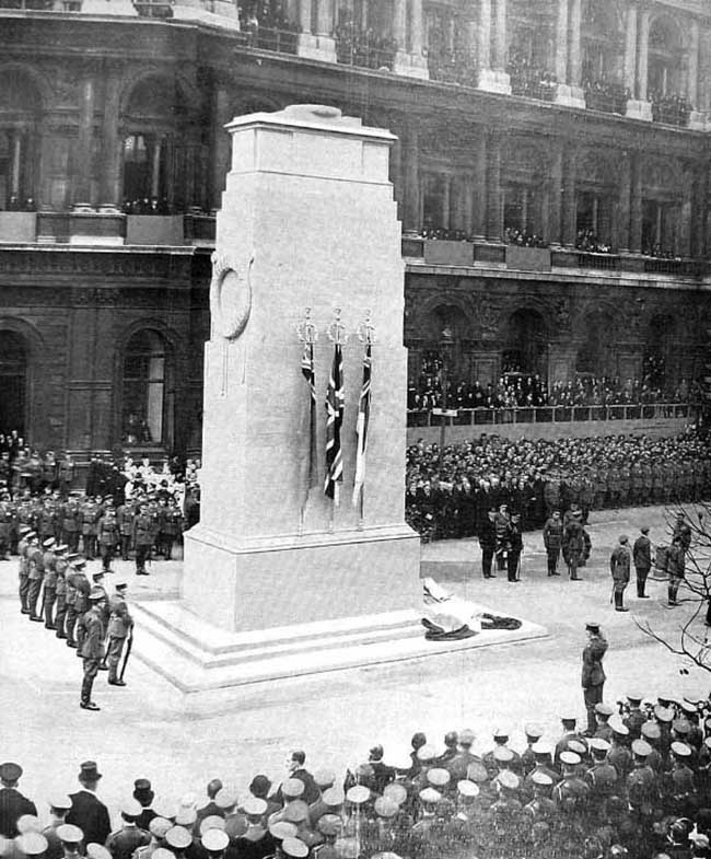The unveiling ceremony on 11 November 1920
