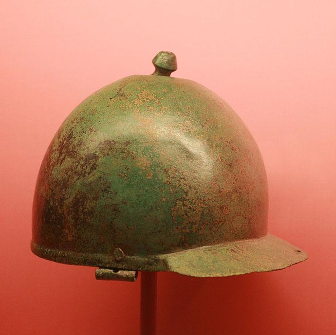 Helmet_Montefortino