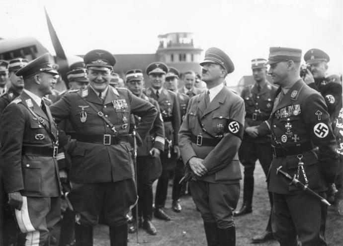 Hitler_Goring_Milch_Lutze_Luftwaffe_Proppeller_April_1936