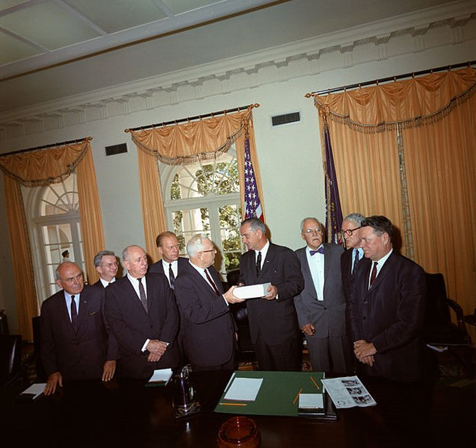 McCloy (far right) with other members of the Warren Commission