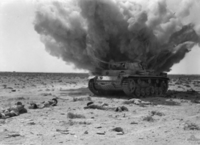 Panzer_III_exploding_1942