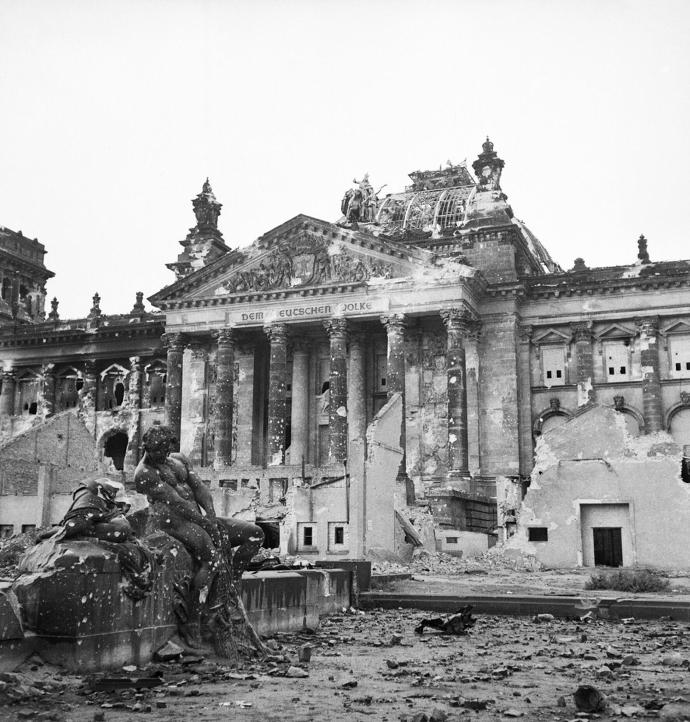 Ruins_of_the_Reichstag_in_Berlin,_3_June_1945._BU8573