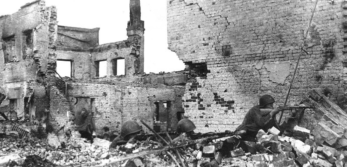 Soviet-infantry-in-Stalingrad