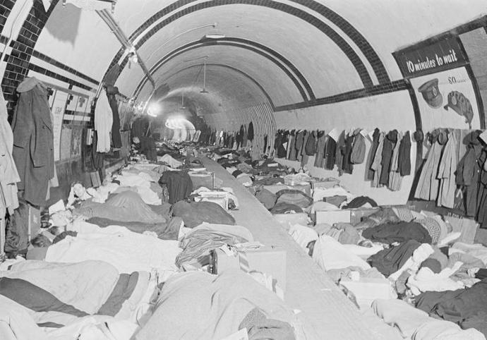 The_London_Underground_As_Air_Raid_Shelter,_London,_England,_1940_D1677