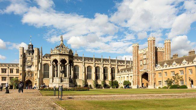 The Great Court of Trinity College, Cambridge. Image source: Rafa Esteve / CC BY-SA 4.0.