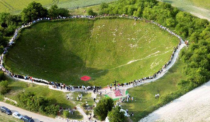 crater-memorial